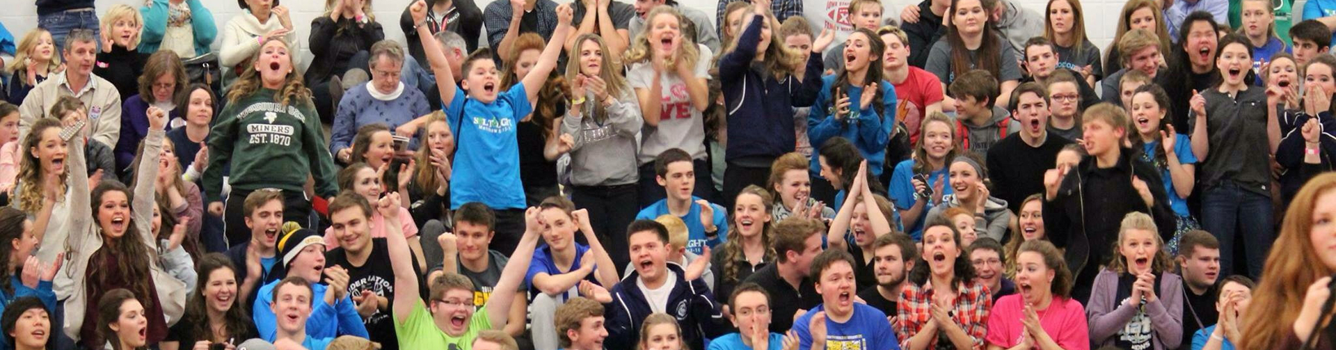 Des Moines Christian School High School Students Cheering